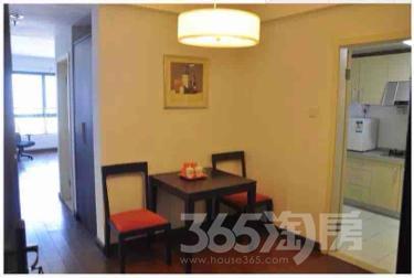 汇萃名邸1室1厅1卫65平米整租