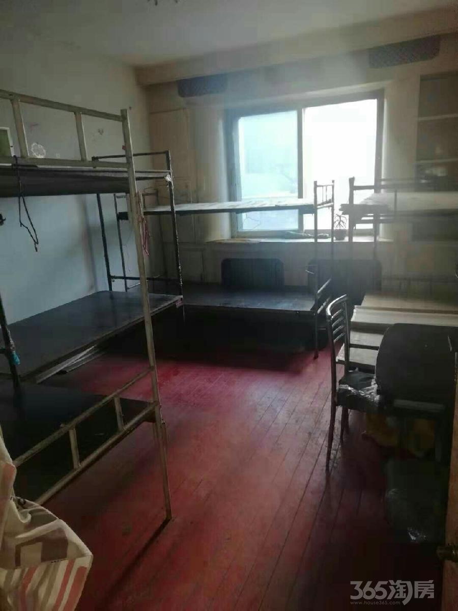 308大院3室1厅1卫90平米93年产权房简装