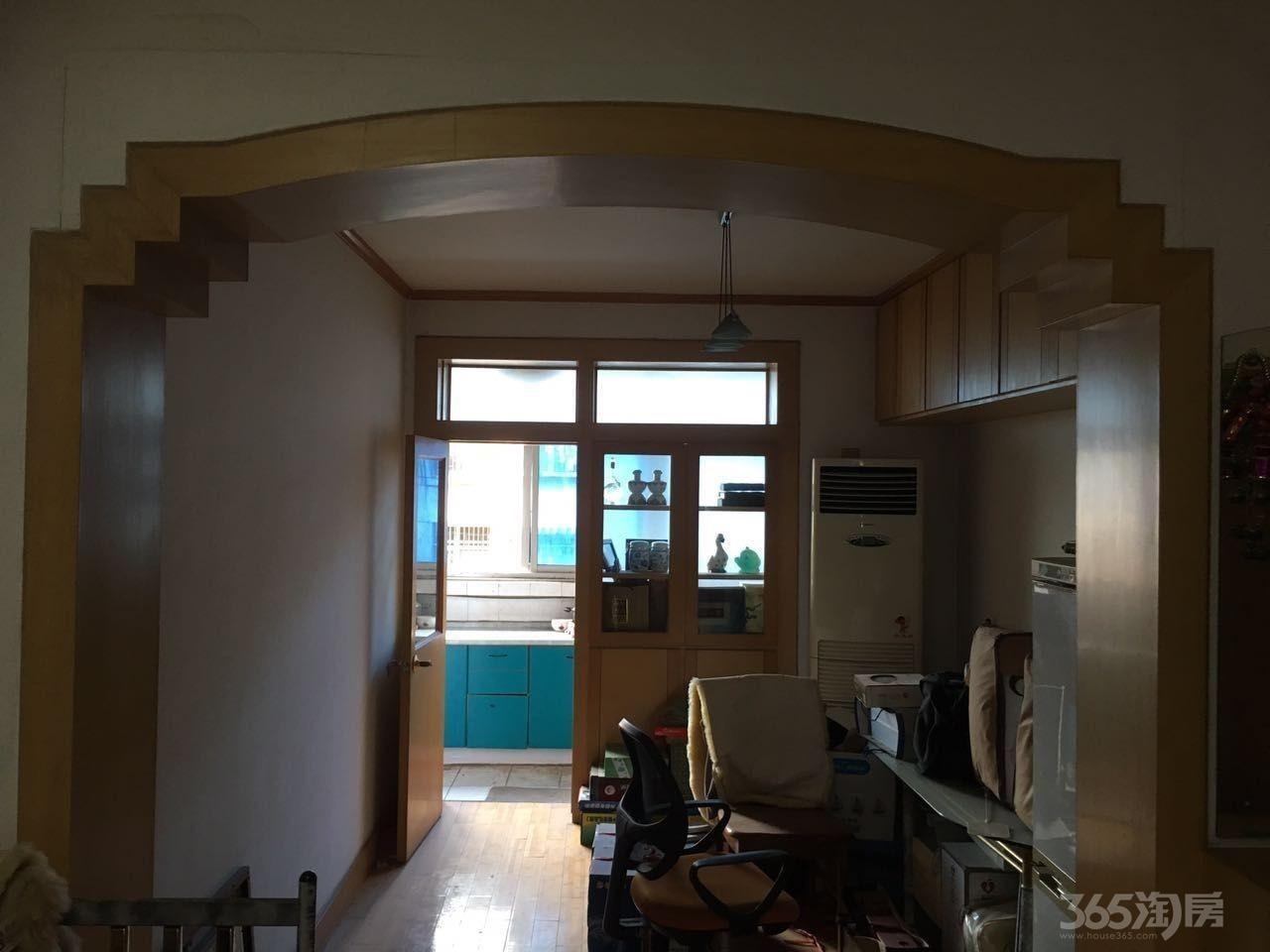 苏堤小区2室2厅1卫87平米2001年产权房精装