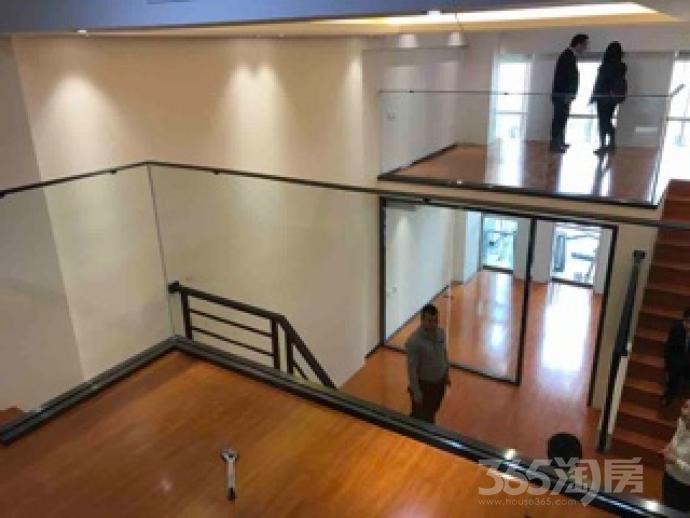中冶盛世广场2室1厅1卫55平米精装产权房2016年建