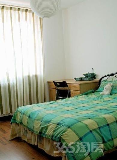 西湖区望月公寓1室0厅1卫27平米整租精装