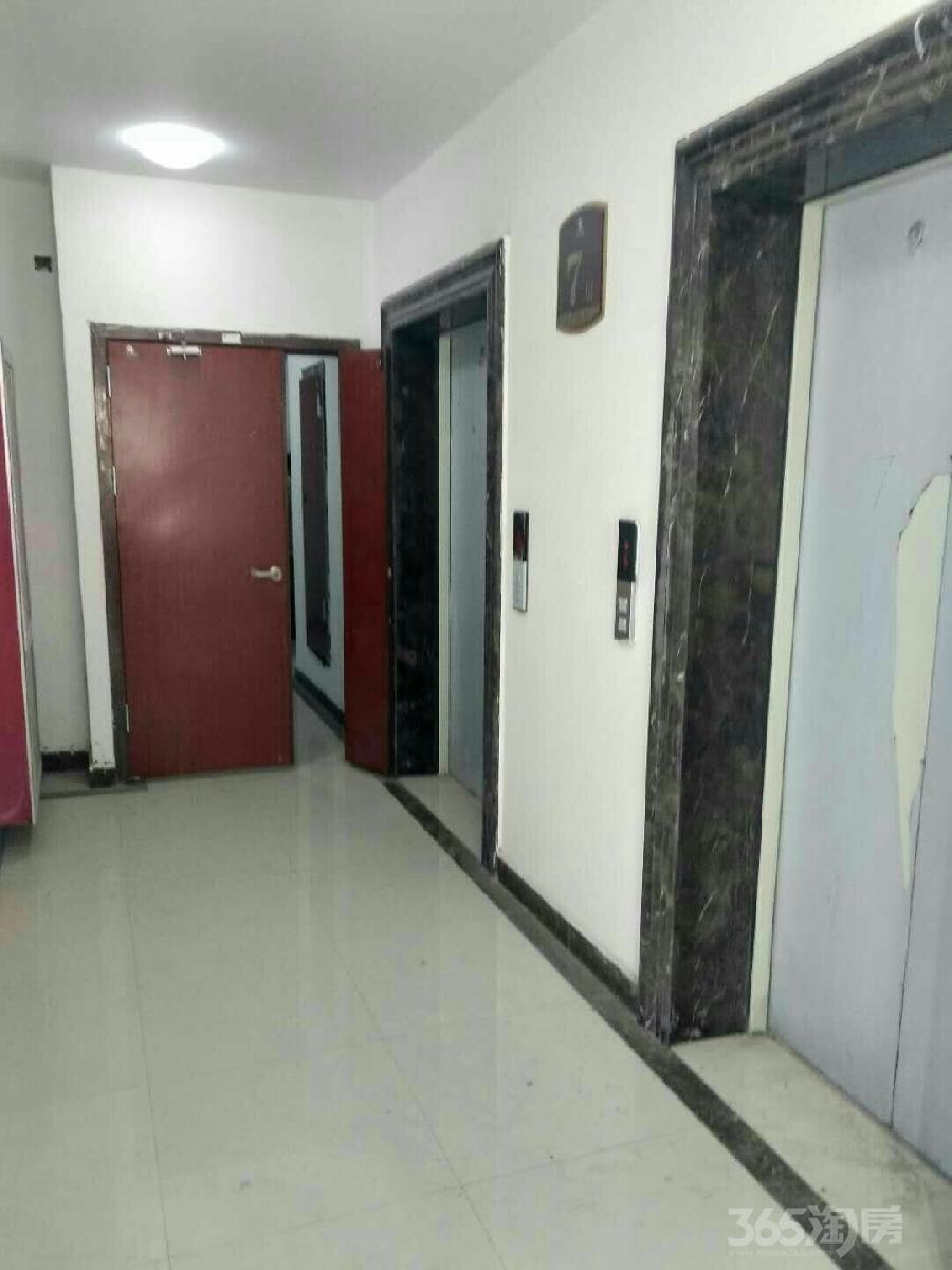 凤鸣城3室1厅1卫120平米整租毛坯
