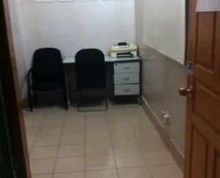 珠江路地铁口新装修小型办公房拧包办公