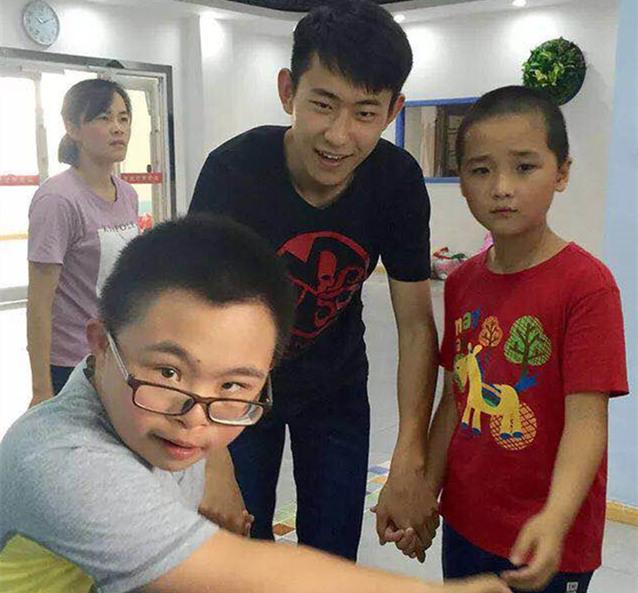 重庆时时彩注册官网:童心桥儿童公益发展中心携手合肥八中GAC班顺利举办端午送温暖活动