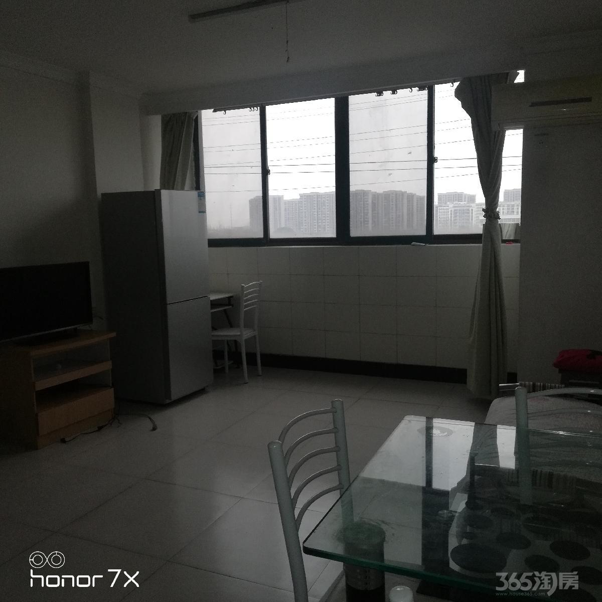 凤鸣实验小学对面石城香榭2室 1厅 1卫76平方米950元/月
