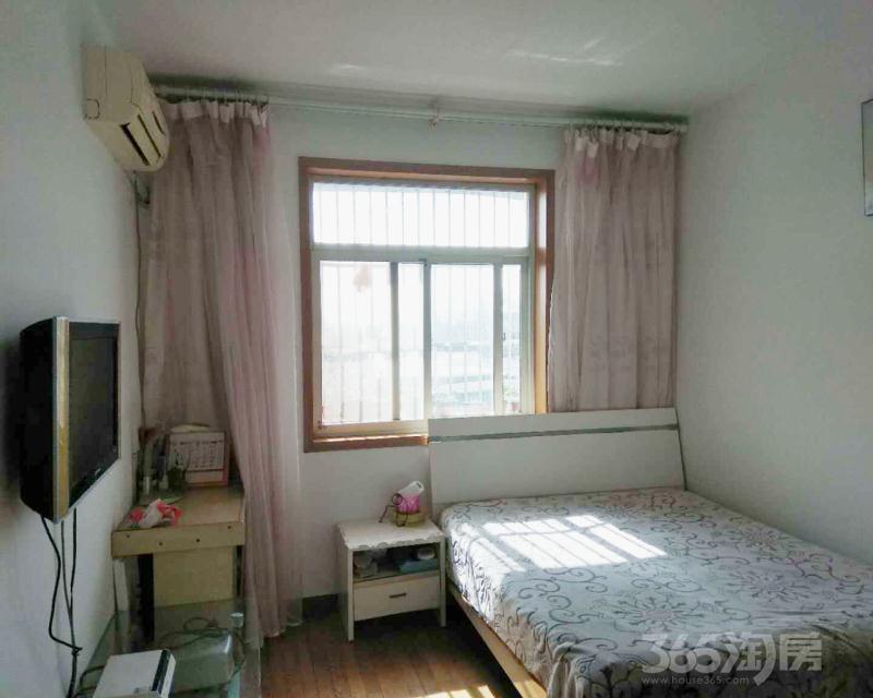 化工新村2室1厅1卫64.5平米1996年产权房精装