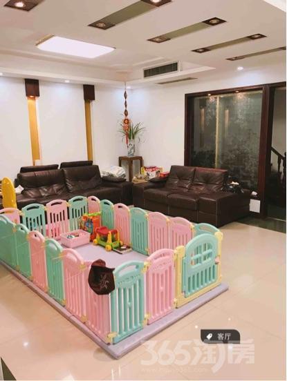 茗城逸墅3室2厅2卫248平米豪华装产权房2010年建满五年