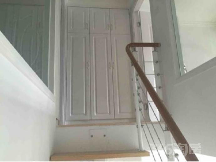 泰富世界城2室1厅1卫43平米整租豪华装