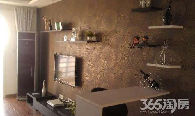 青山湾花园3室2厅1卫109平方产权房精装