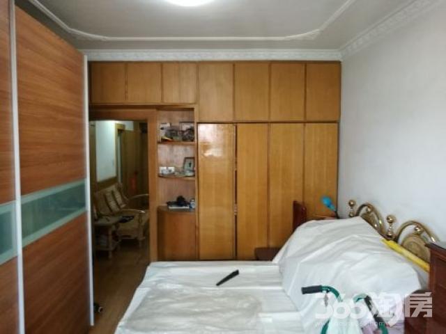 明华新村96年2室2厅1卫78平方产权房精装