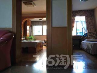 东海六村2室1厅1卫64.35平米,32万元。