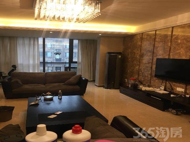 绿地老街2室2厅1卫85�O2010年产权房豪华装