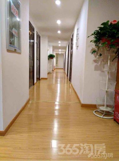 合群新村1室0厅1卫30平米整租简装