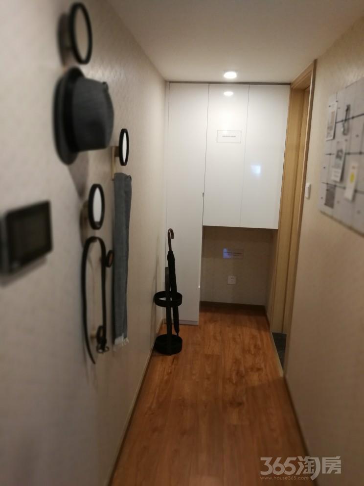 新区中锐星公馆2室2厅2卫42�O