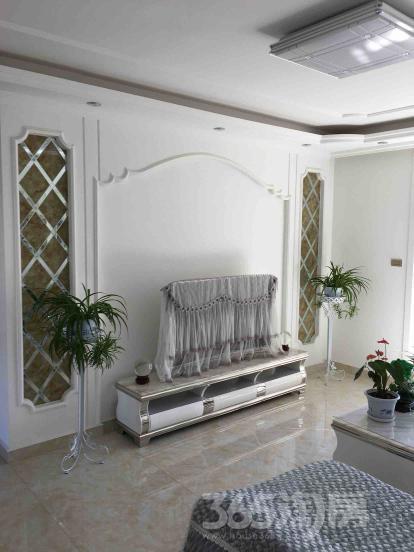 绿地世纪城柏仕公馆4室2厅2卫127.33平米精装