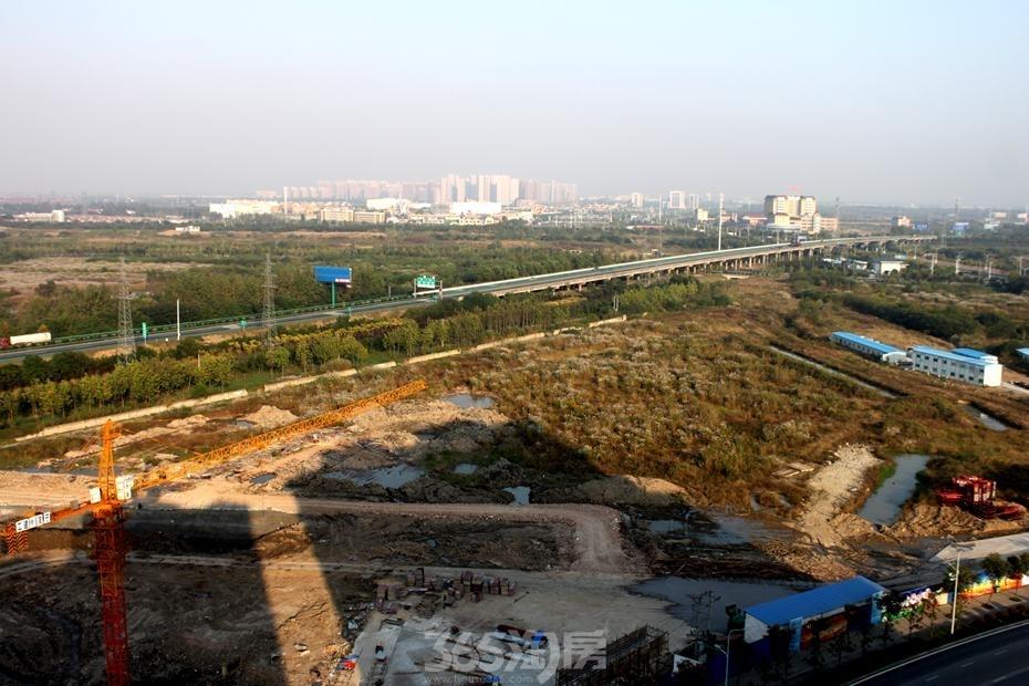三潭音悦二期和园地基施工和地面整理(2015年10月摄)