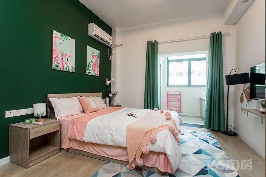 新盛贝客公寓1室1厅1卫40平米整租精装
