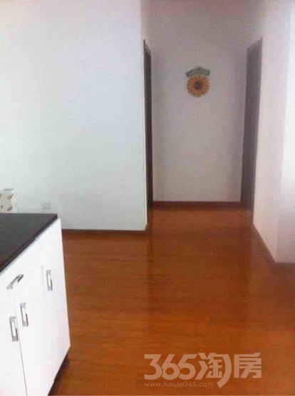 江佑铂庭3室2厅2卫131平米简装产权房2014年建