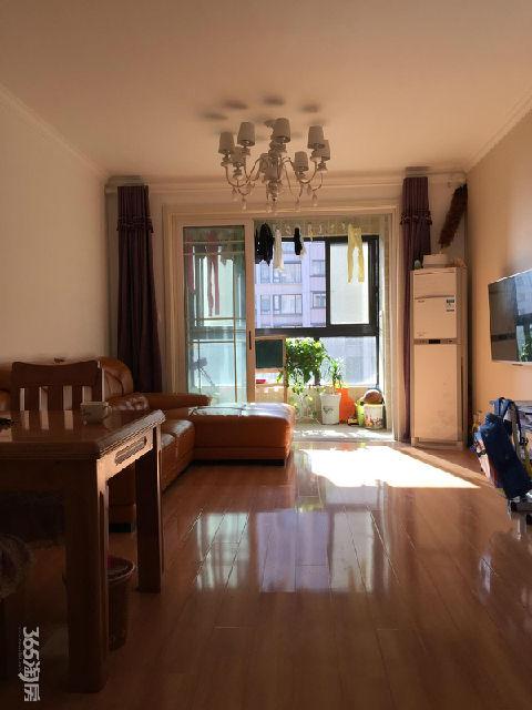 金地自在城六期3室2厅1卫85平方产权房精装