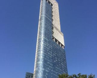 绿地广场紫峰大厦187平米豪华装可注册2010年建