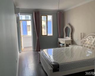 九莲塘新上欧装小清新两室 家具全新 带阳台 随时看房