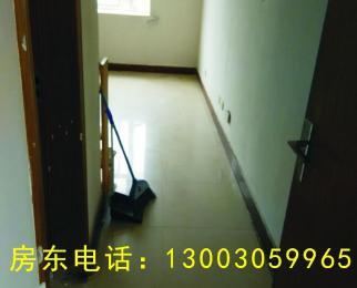 天鹅公寓1室0厅1卫25�O整租精装