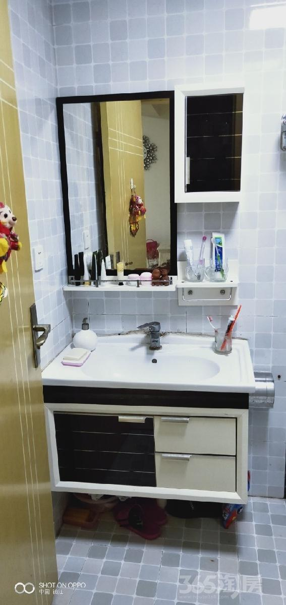 句容仙林悦城2室2厅1卫67.4平米2012年产权房精装