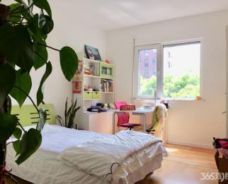 朗诗绿色街区 三恒系统 精装满2拎包入住 业主置换急 产权房