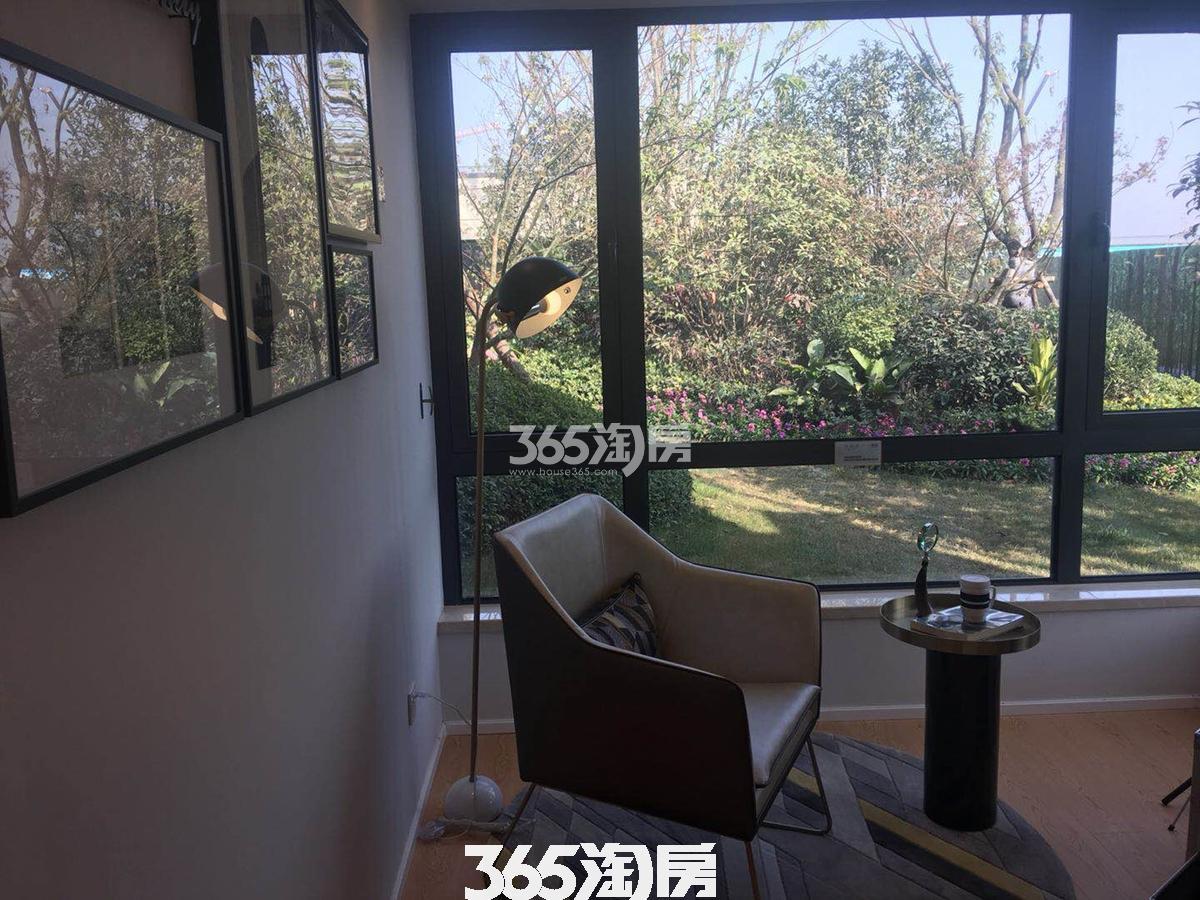 紫云赋样板房阳台实景图(2018.2.1)