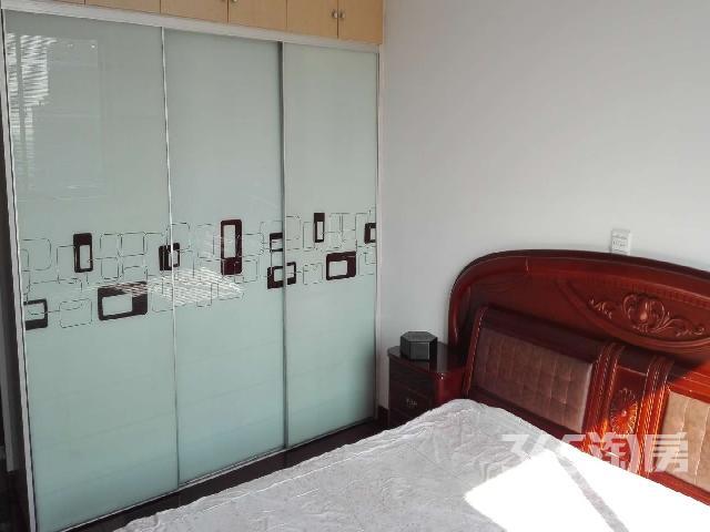 春城家园3室3厅2卫150㎡整租精装