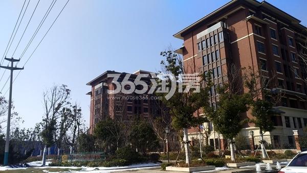 中国铁建・燕山国际城 小区内景 201802