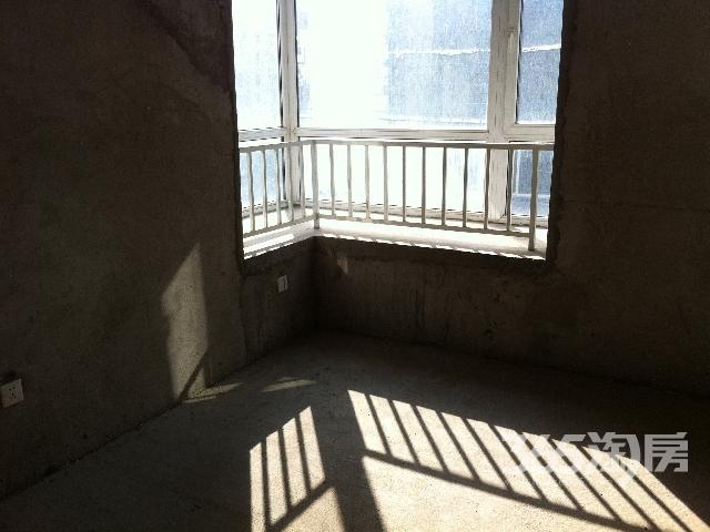 �哄卑氲�2室2厅1卫90平米毛坯房,产证在手免税90万出售