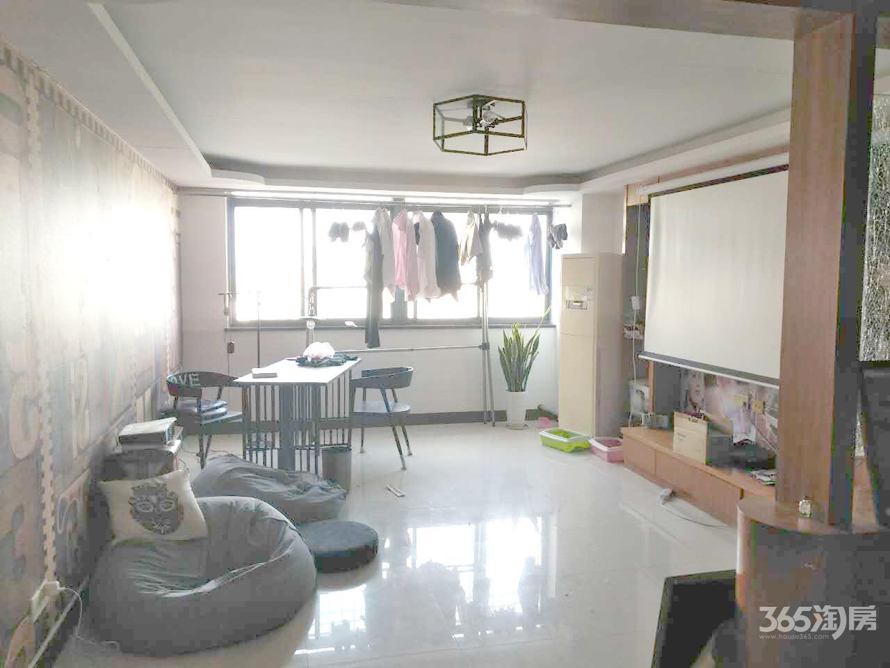 尚景公寓2室2厅1卫66.02平方产权房精装