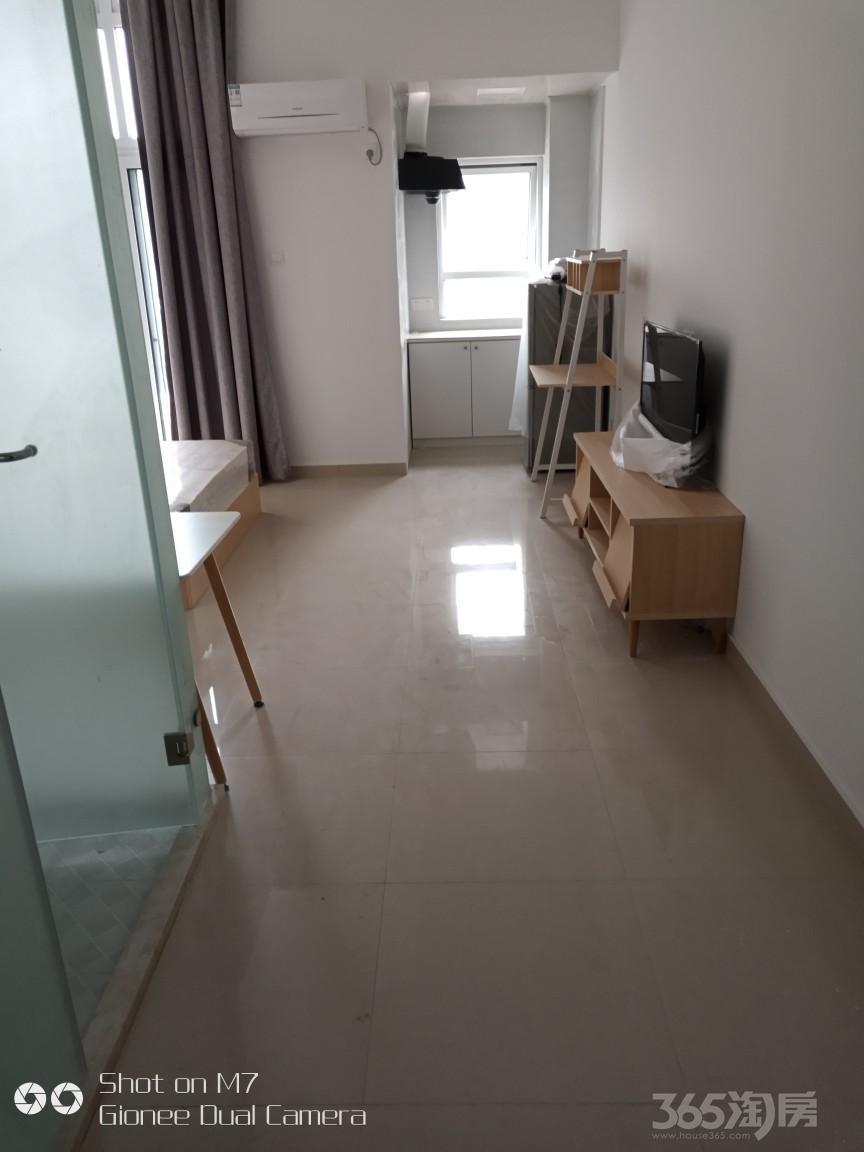 金茂云庭1室1厅1卫55平米整租精装