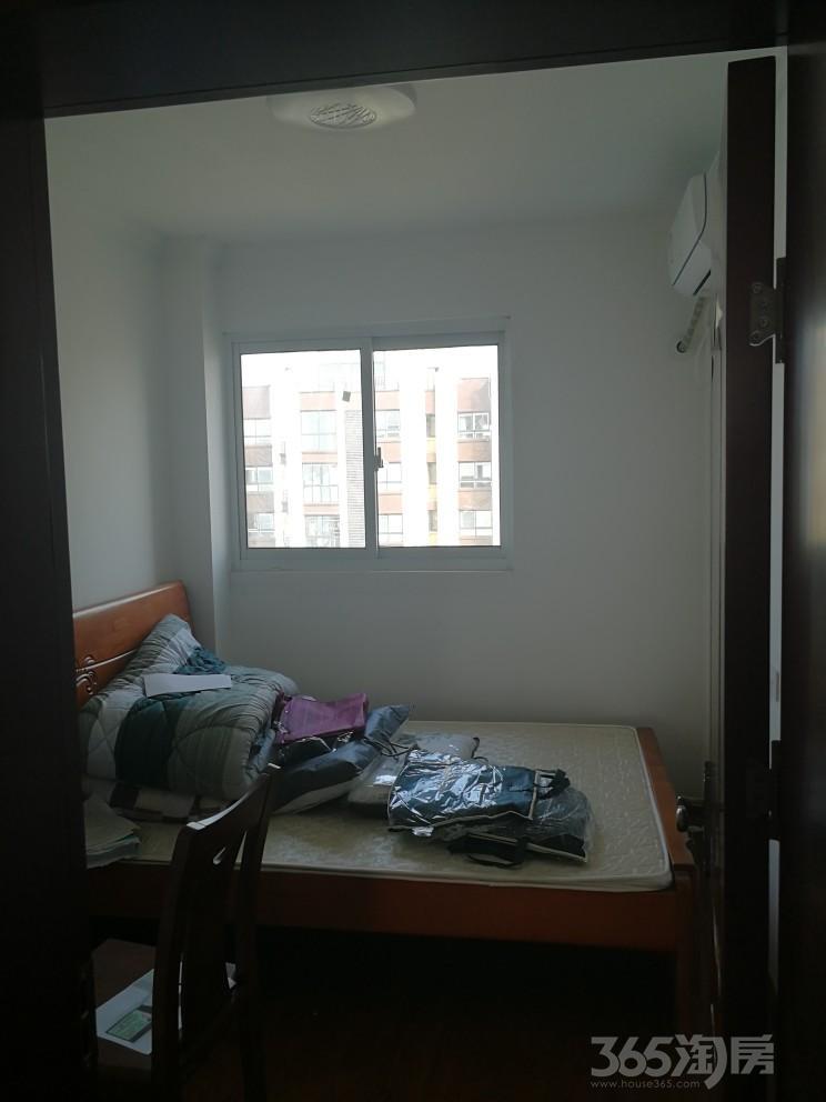 新北新区荣盛锦绣天地3室2厅1卫86.35�O