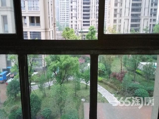 武进万达吾悦广场旁绿地香颂花园58平电梯阳台精装拎包住