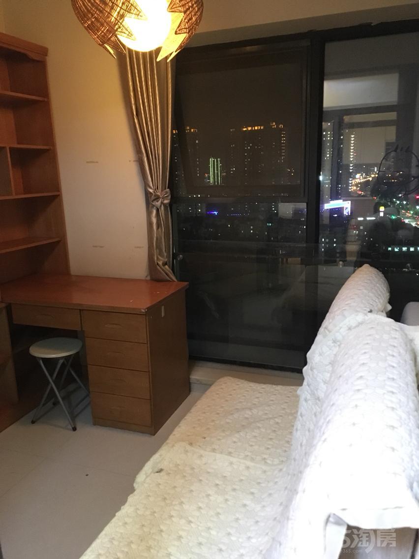 长江国际二期雅园1室2厅1卫60.8平米整租精装