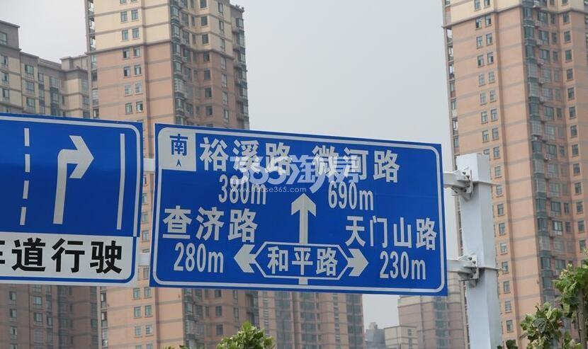 金科海昱东方周边道路指示牌(2018.2.8)