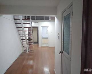 恒泰悦城3室2厅2卫130平米(挑高的,楼上楼下。价格可
