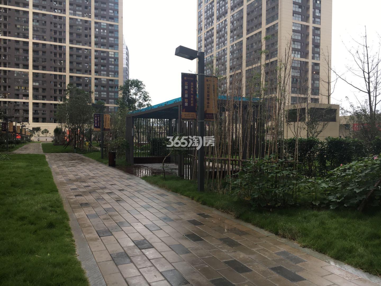 东方万汇城南区内部走道实景图(11.15)