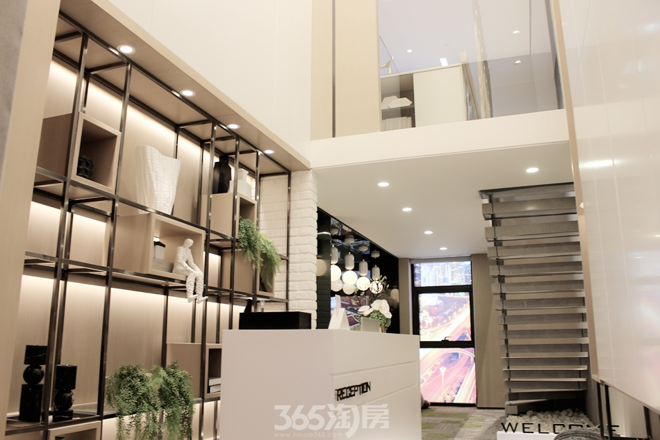 中海广场loft极致精装样板间高清图集赏析