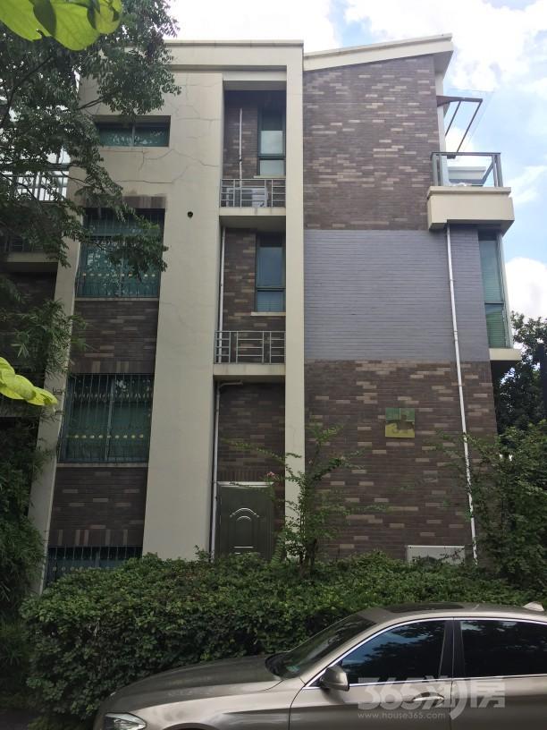 海德公园别墅5室2厅3卫195平米2005年产权房中装