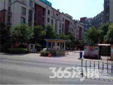 东郊小镇第四街区3室1厅2卫75平米整租精装