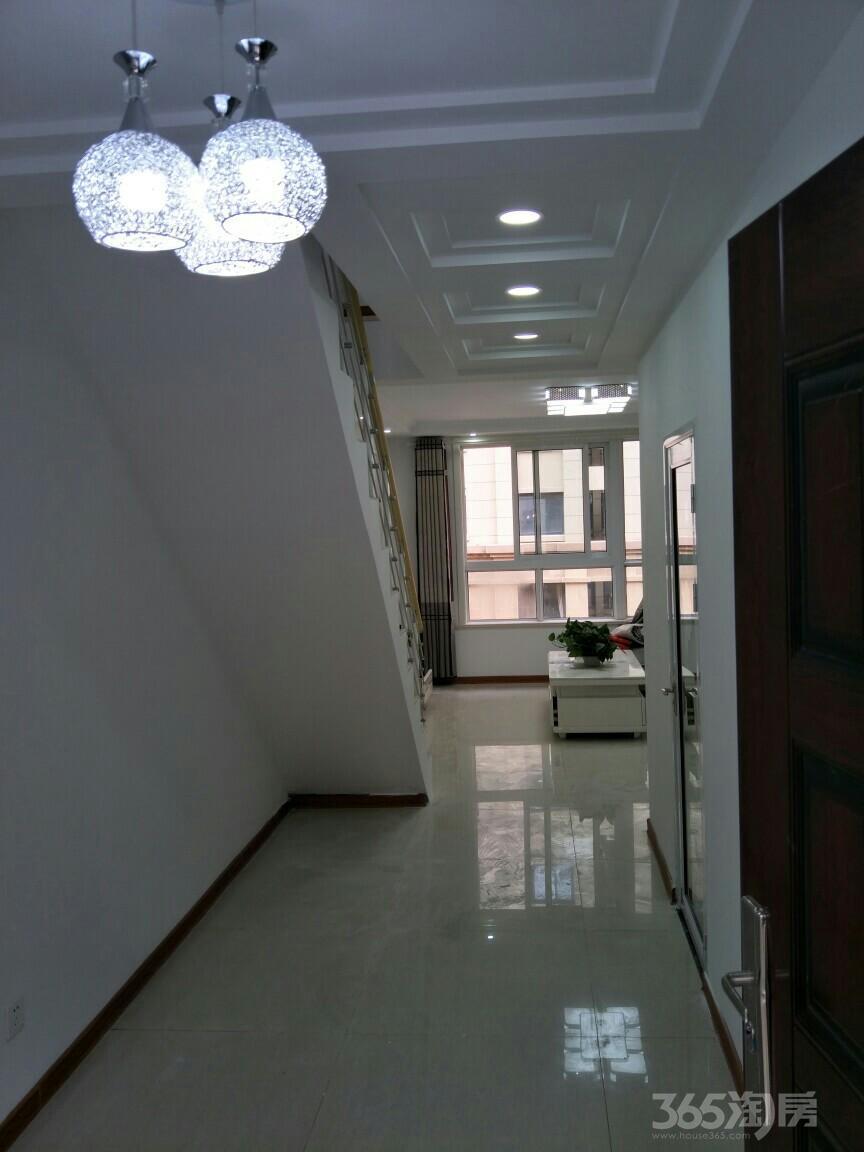 风尚米兰2室2厅2卫100平米整租精装