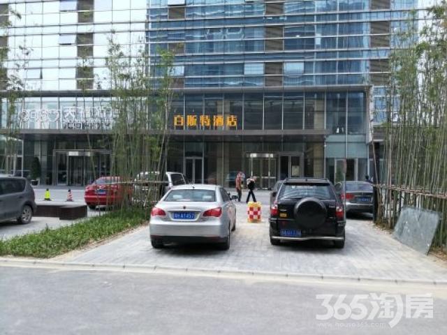 南京南站天禧酒店对面绿地之窗B2可分割可定制装修