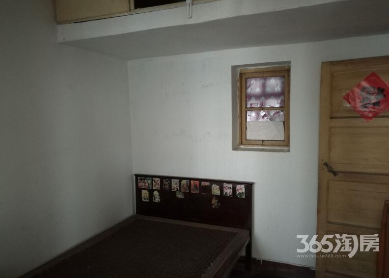 星隆国际城对面2室1厅1卫60㎡整租简装