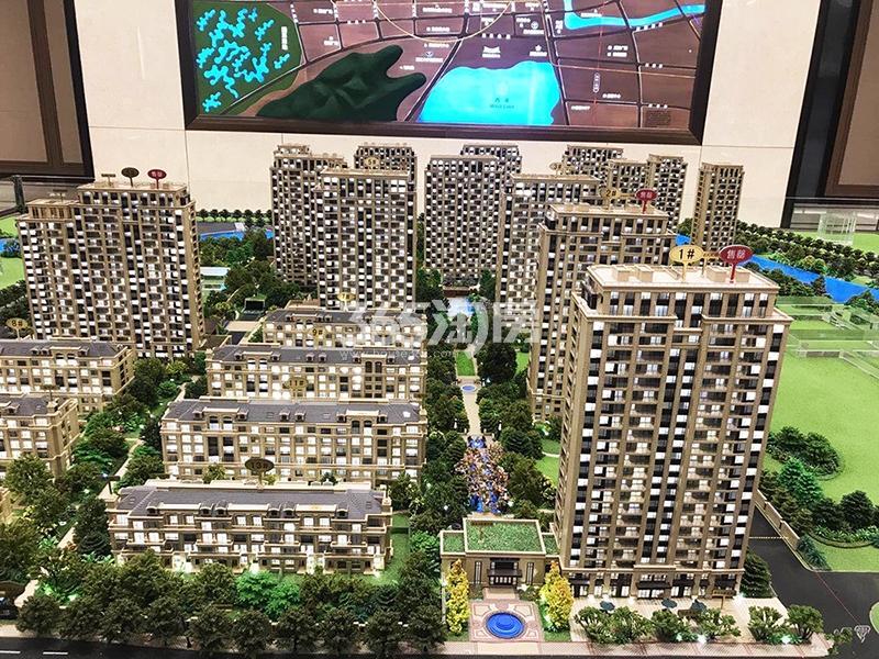 2017年12月底首开杭州金茂府售楼部内沙盘