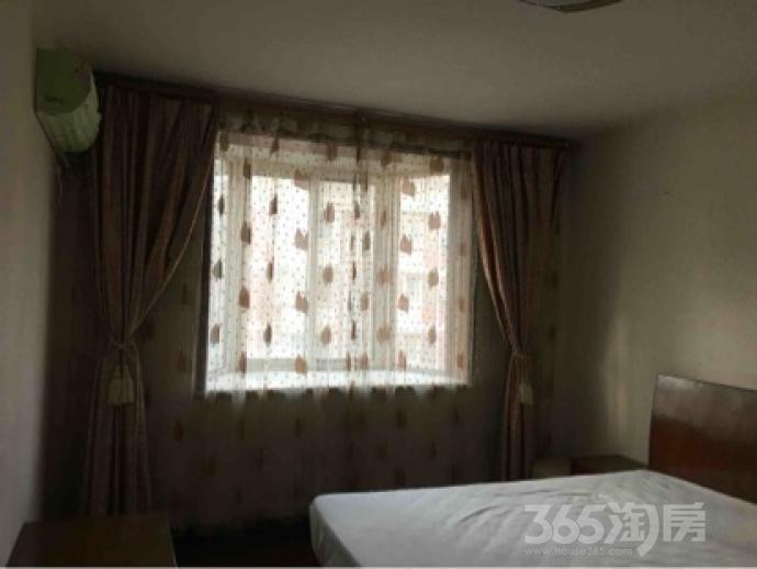江东小区3室2厅2卫135平米精装产权房2005年建满五年