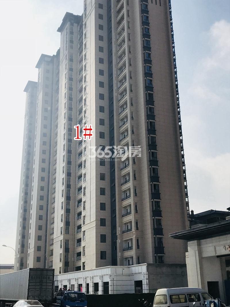 蓝光雍锦里1#楼实景图(2018.10 摄)