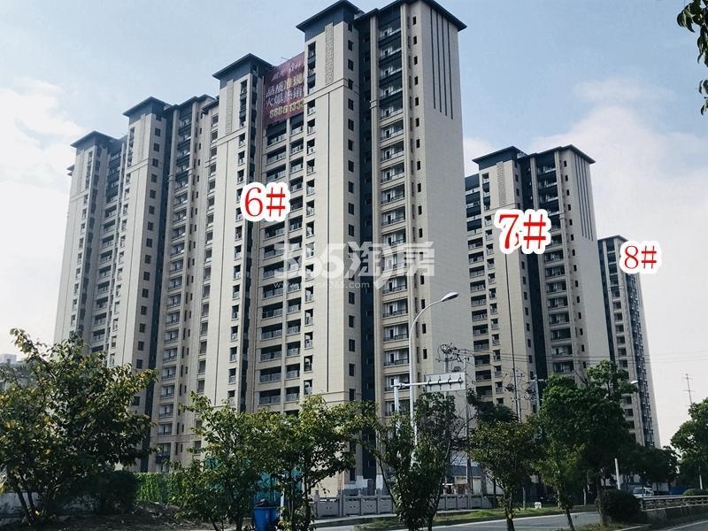蓝光雍锦里6-8#楼实景图(2018.10 摄)